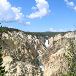 10 Tips to Avoid Certain Disaster & Getting Devoured by Bears:          Exploring Yellowstone with Kids